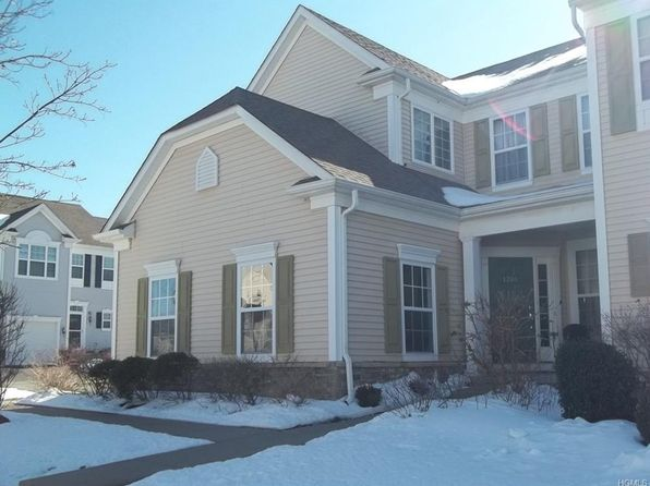 3 bed 2.5 bath Condo at 30 Banbury Way Newburgh, NY, 12550 is for sale at 295k - 1 of 19