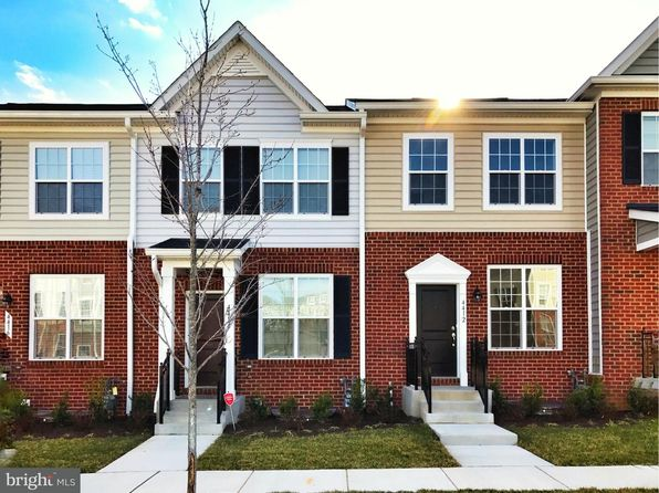 3 bed 2 bath Townhouse at 4502 Scarlet Oak Ln Baltimore, MD, 21229 is for sale at 180k - 1 of 8