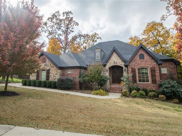 4 bed 4 bath Single Family at 2712 E Mockernut Xing Fayetteville, AR, 72703 is for sale at 365k - 1 of 27