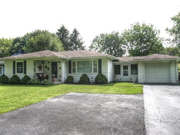 2 bed 2 bath Single Family at 251 Meadowdale Dr Rochester, NY, 14624 is for sale at 125k - 1 of 24