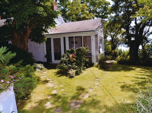 4 bed 1 bath Single Family at 4443 W Lake Rd Canandaigua, NY, 14424 is for sale at 599k - 1 of 26