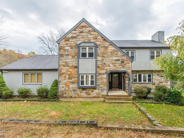 5 bed 2.5 bath Single Family at 99 Knob Hill Rd Washington Twp., NJ, 07853 is for sale at 325k - 1 of 24