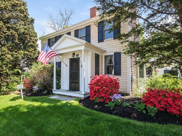 4 bed 4 bath Single Family at 585 W Falmouth Hwy Falmouth, MA, 02540 is for sale at 795k - 1 of 24