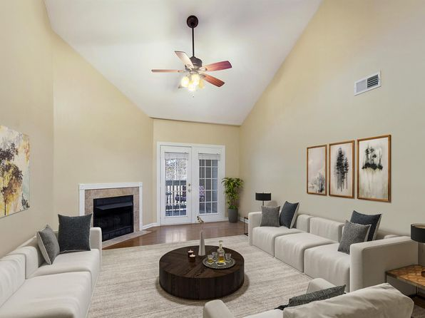 2 bed 2 bath Condo at 6820 Highway 70 S Nashville, TN, 37221 is for sale at 190k - 1 of 15