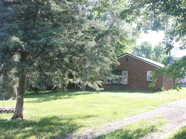 1 bed 1 bath Single Family at 814 7th St Colona, IL, 61241 is for sale at 32k - 1 of 2
