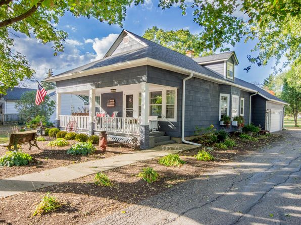 3 bed 2 bath Single Family at 414 Kenosha St Walworth, WI, 53184 is for sale at 189k - 1 of 9