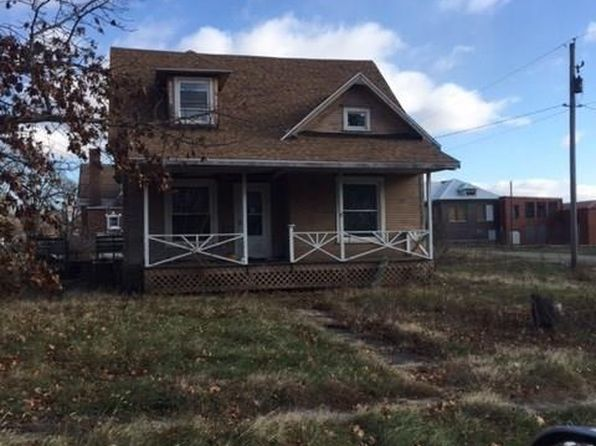 4 bed 1 bath Single Family at 111 S MADISON LOWPOINT, IL, 61545 is for sale at 35k - google static map