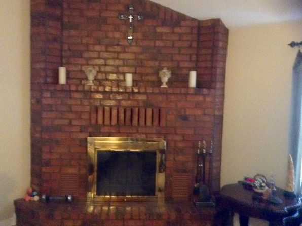 2 bed 1 bath Single Family at 303 E Nandina St Ore City, TX, 75683 is for sale at 109k - 1 of 7