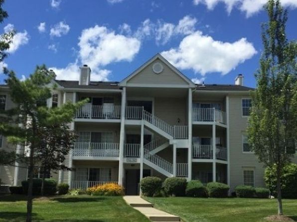2 bed 2 bath Condo at 1123 Sycamore Ln Mahwah, NJ, 07430 is for sale at 315k - 1 of 23