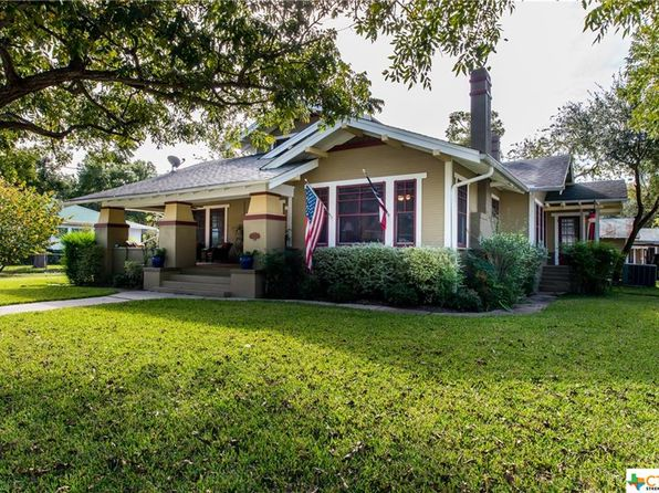 3 bed 3 bath Single Family at 803 E College St Seguin, TX, 78155 is for sale at 289k - 1 of 27