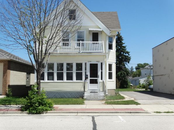 2 bed 1 bath Multi Family at 1212-1214 11th Ave Grafton, WI, 53024 is for sale at 175k - 1 of 25