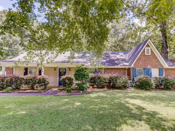 4 bed 2 bath Single Family at 109 Laura Lake Rd Vicksburg, MS, 39180 is for sale at 189k - 1 of 35