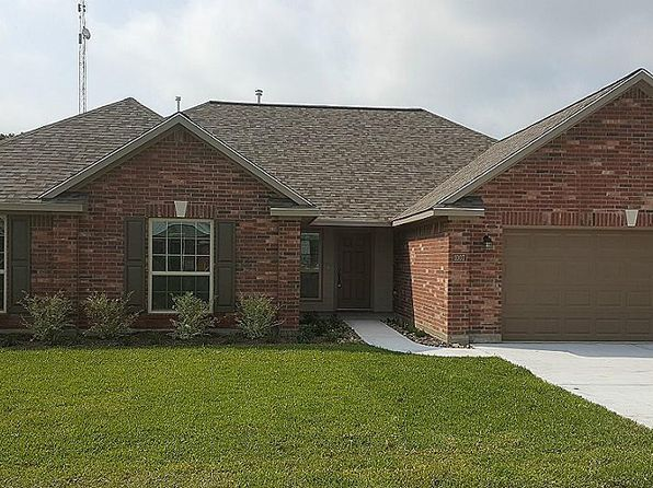 4 bed 2.5 bath Single Family at 1007 Morris St East Bernard, TX, 77435 is for sale at 263k - 1 of 8