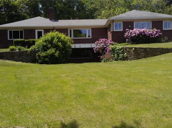 3 bed 3 bath Single Family at 4 Old Pound Hill Rd North Smithfield, RI, 02896 is for sale at 389k - 1 of 29