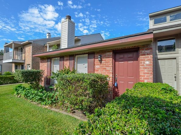 2 bed 1 bath Townhouse at 9307 Westwood Village Dr Houston, TX, 77036 is for sale at 105k - 1 of 36