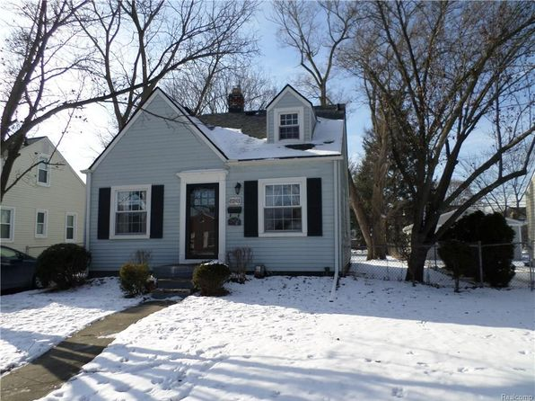 3 bed 1 bath Single Family at 2043 Royal Ave Berkley, MI, 48072 is for sale at 175k - google static map