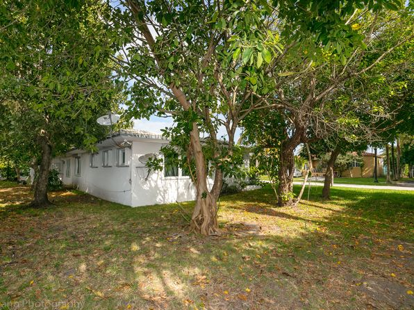 3 bed 2 bath Single Family at 8040 Cecil St Miami Beach, FL, 33141 is for sale at 699k - 1 of 27