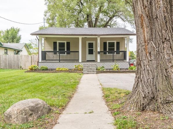 3 bed 1 bath Single Family at 1608 48th St Des Moines, IA, 50310 is for sale at 140k - 1 of 17