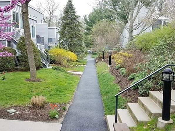 2 bed 2 bath Condo at 208 Harris Rd Bedford Hills, NY, 10507 is for sale at 280k - 1 of 14