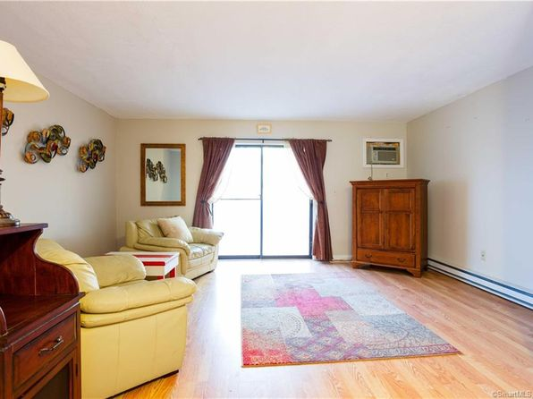 2 bed 2 bath Condo at 111 WOOSTER ST NAUGATUCK, CT, 06770 is for sale at 105k - 1 of 12