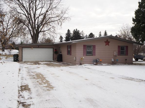 3 bed 1 bath Single Family at 456 Bluff St NE Hutchinson, MN, 55350 is for sale at 155k - 1 of 20