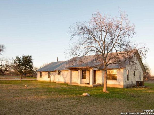 3 bed 2 bath Single Family at 3104 State Highway 173 N Devine, TX, 78016 is for sale at 395k - 1 of 13
