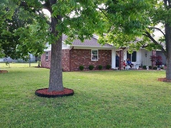 3 bed 2 bath Single Family at 501 NW 6th St Stigler, OK, 74462 is for sale at 82k - 1 of 9