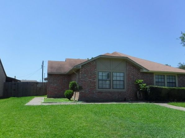 2 bed 2 bath Multi Family at 605 Stonehenge Dr Grand Prairie, TX, 75052 is for sale at 89k - 1 of 8