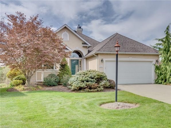 4 bed 3 bath Single Family at 1961 Fox Trace Trl Cuyahoga Falls, OH, 44223 is for sale at 339k - 1 of 35