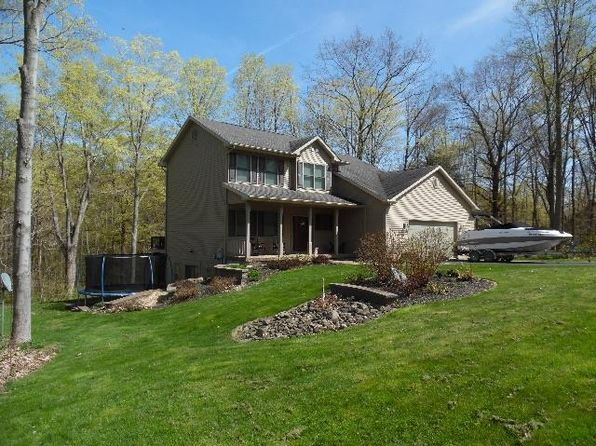 bemus point latin singles Bemus point central school district is a highly rated, public school district  located in bemus point, ny it has 732 students in  4 bed 3 bath single family .
