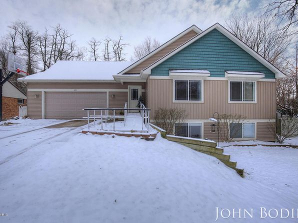 5 bed 3 bath Single Family at 495 SUNNYJUNE AVE HOLLAND, MI, 49424 is for sale at 205k - 1 of 26