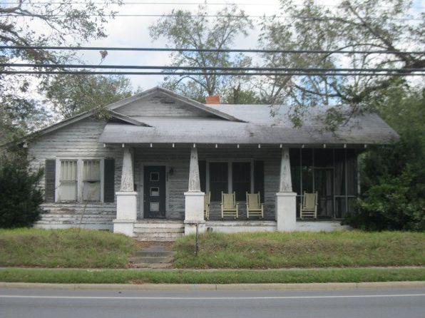 2 bed 1 bath Single Family at 414 E Barnard St Glennville, GA, 30427 is for sale at 40k - google static map