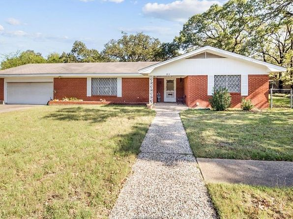 4 bed 3 bath Single Family at 2919 Oklahoma Ave Bryan, TX, 77803 is for sale at 165k - 1 of 26