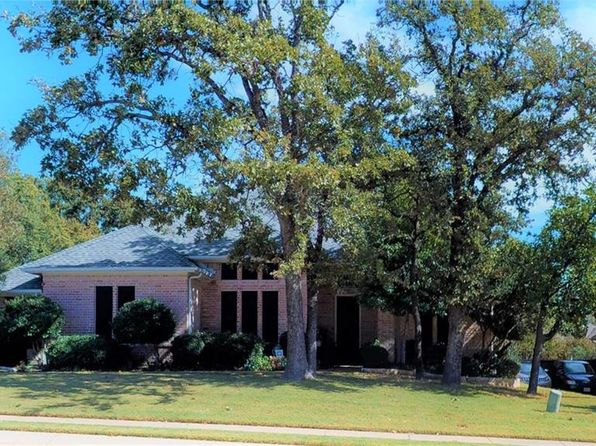 4 bed 3 bath Single Family at 3332 CASTLEWOOD BLVD LEWISVILLE, TX, 75077 is for sale at 389k - 1 of 36