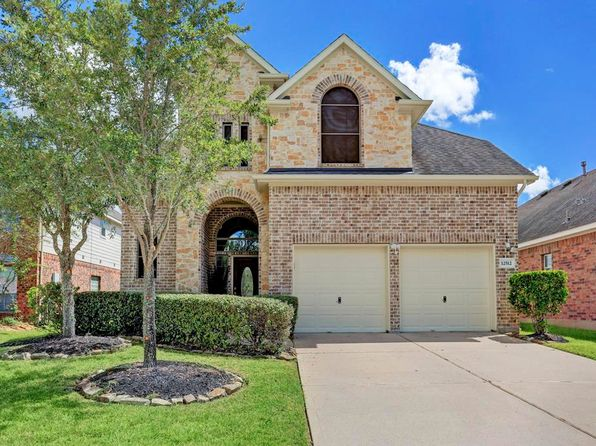 4 bed 3 bath Single Family at 12512 Emerald Springs Dr Pearland, TX, 77584 is for sale at 300k - 1 of 32