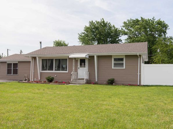 3 bed 2 bath Single Family at 7707 W 79th Pl Bridgeview, IL, 60455 is for sale at 205k - 1 of 12