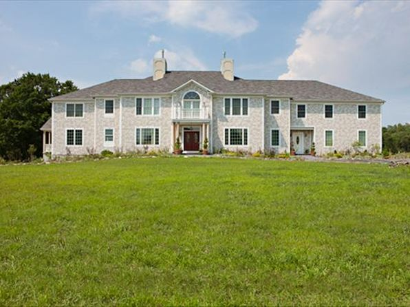 8 bed 10 bath Single Family at 23 Applegate Ln Hyde Park, NY, 12538 is for sale at 590k - 1 of 14