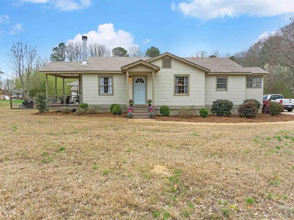 3 bed 1 bath Single Family at 301 E Dixie Hwy Rutledge, GA, 30663 is for sale at 150k - 1 of 24