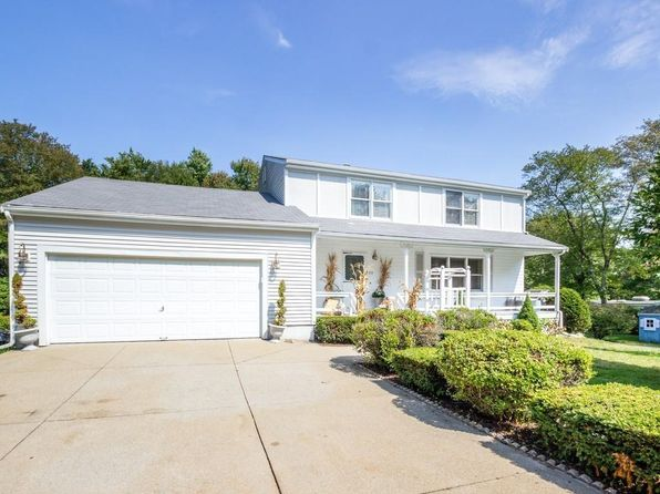 4 bed 3 bath Single Family at 29 Stone St Medway, MA, 02053 is for sale at 425k - 1 of 27