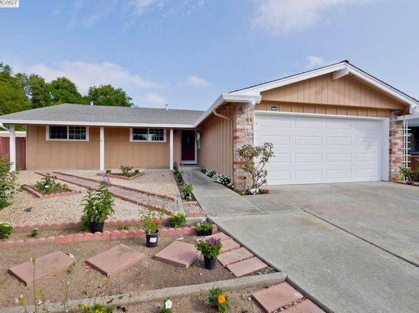 4 bed 2 bath Single Family at 34220 Cornwallis Pl Fremont, CA, 94555 is for sale at 950k - 1 of 27