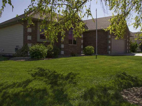 4 bed 3 bath Single Family at 1112 Forest Ct McPherson, KS, 67460 is for sale at 335k - 1 of 21