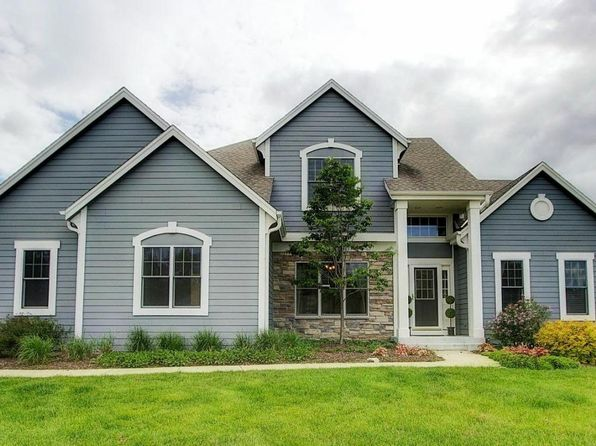 4 bed 3 bath Single Family at 1145 Bobolink Ave Grafton, WI, 53024 is for sale at 410k - 1 of 25