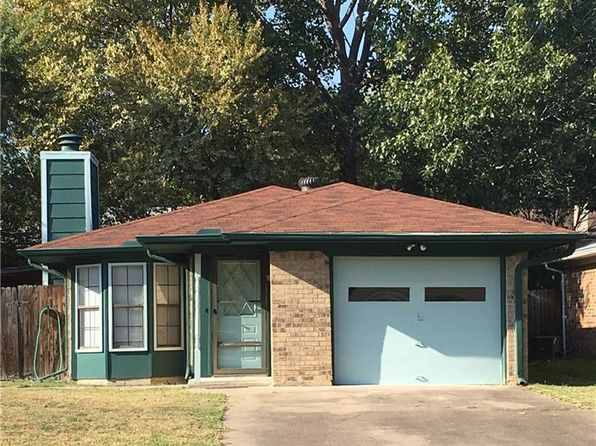2 bed 2 bath Single Family at 2725 W Oakdale Rd Irving, TX, 75060 is for sale at 120k - google static map