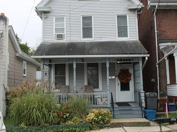 3 bed 2 bath Single Family at 526 Pine St Hollidaysburg, PA, 16648 is for sale at 135k - 1 of 28