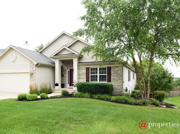 3 bed 3 bath Single Family at 843 N Overlook Trl Round Lake, IL, 60073 is for sale at 310k - 1 of 15