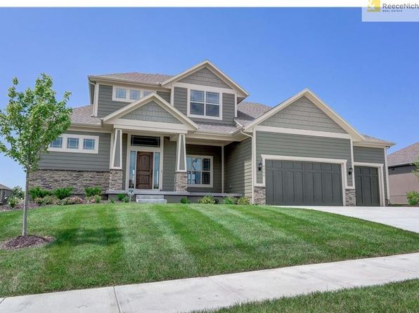 5 bed 4 bath Single Family at 4340 SE LARIAT DR LEES SUMMIT, MO, 64082 is for sale at 430k - 1 of 25