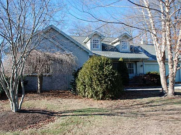 3 bed 3 bath Single Family at 8 Tomcat Ter North Providence, RI, 02911 is for sale at 339k - 1 of 20