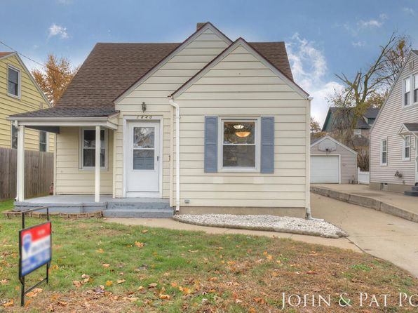 3 bed 1 bath Single Family at 1840 Burlingame Ave SW Wyoming, MI, 49509 is for sale at 130k - 1 of 22