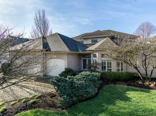 5 bed 4 bath Single Family at 5716 Stone Lake Dr Centerville, OH, 45429 is for sale at 439k - 1 of 31