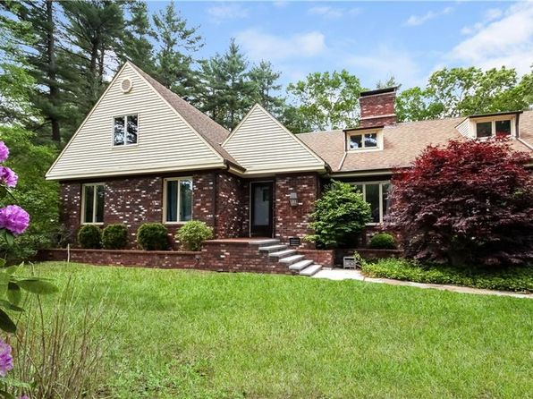 4 bed 4 bath Single Family at 35 Hamilton Dr East Greenwich, RI, 02818 is for sale at 569k - 1 of 31